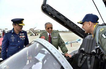 Mahatir Confident Proton will be Successful in Pakistan 4