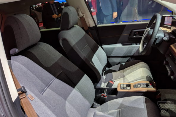 Retro Styled Honda E Prototype Unveiled at Geneva 13