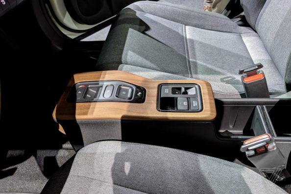 Retro Styled Honda E Prototype Unveiled at Geneva 12