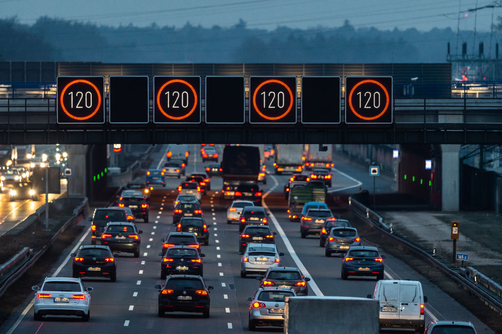 New Cars in Europe to Have Speed Limiters by 2022 8