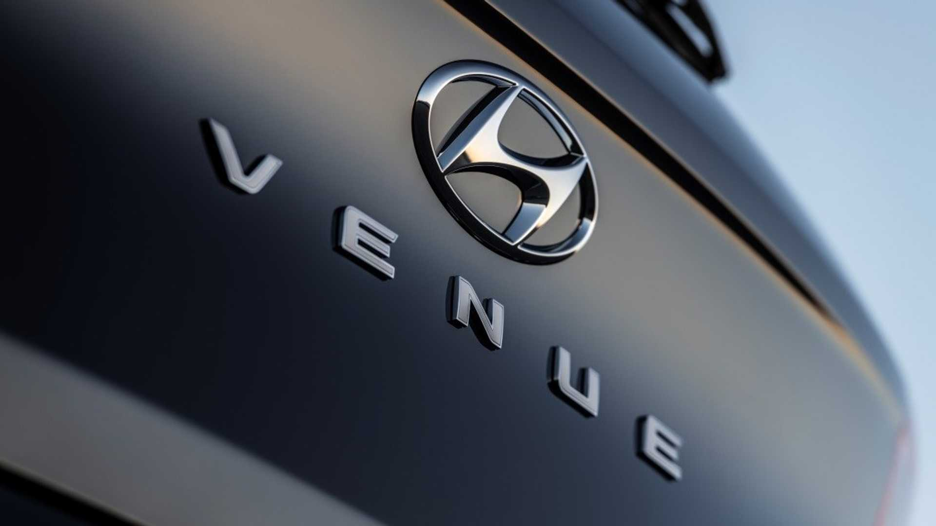 Hyundai Venue Entry Level Crossover Teased Ahead of New York Debut 7
