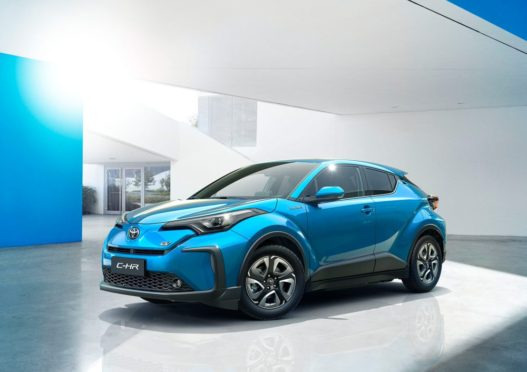 Toyota's First EVs for China are C-HR/ IZOA Twins 1