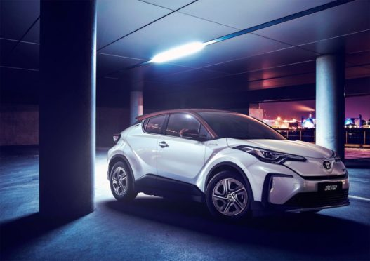 Toyota's First EVs for China are C-HR/ IZOA Twins 3