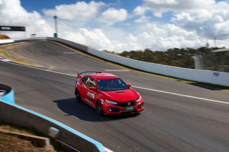 Honda Civic Type R Sets FWD Record at Bathurst 2