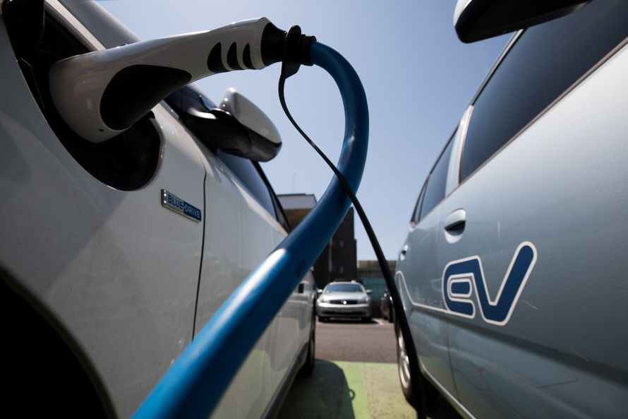 Government Plans to Set up SEZ for Electric Vehicles in Kamra 10