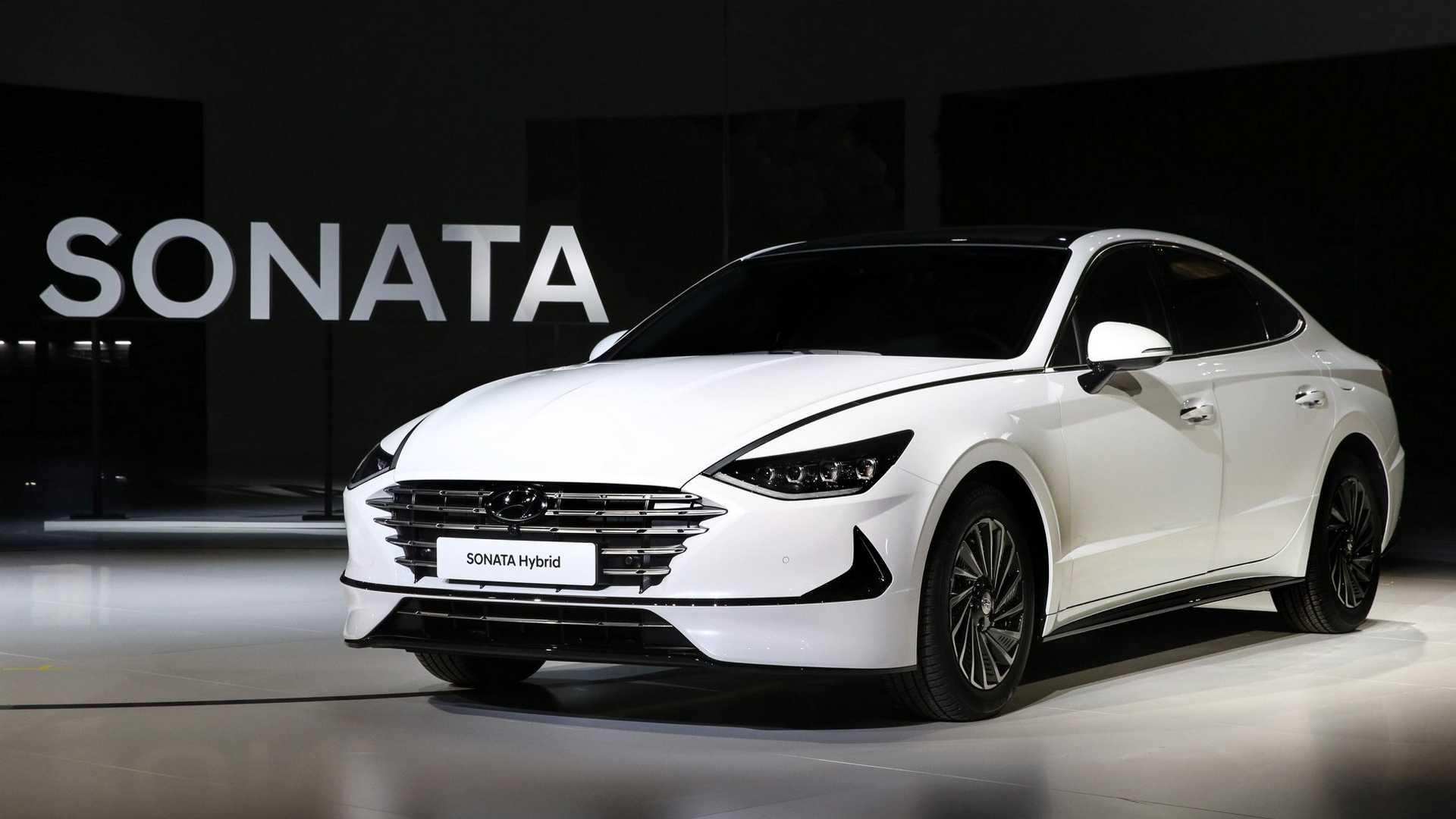 2020 Hyundai Sonata Hybrid Debuts with Solar Roof 7