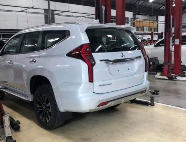 2019 Mitsubishi Pajero Sport Facelift Spotted Ahead of Launch 4