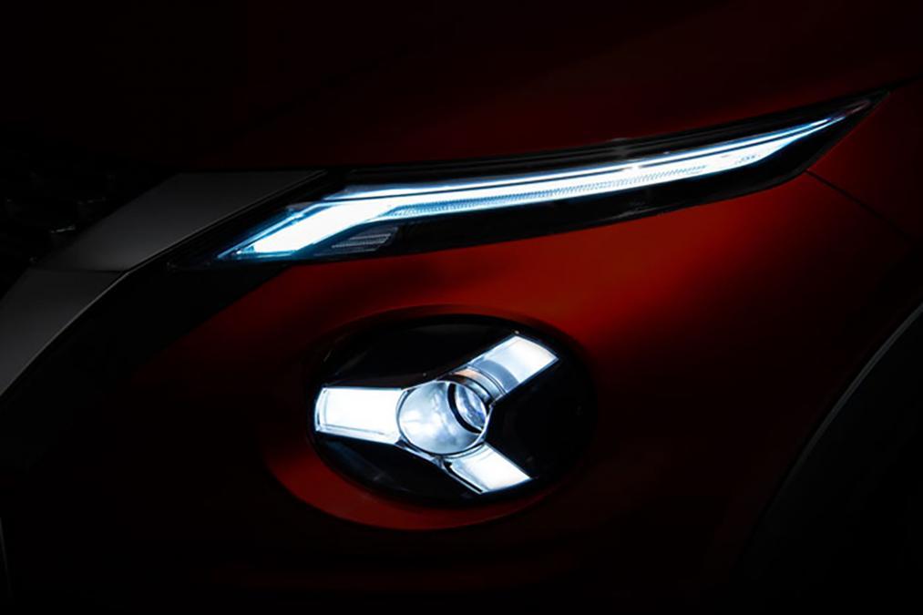 Next Generation Nissan Juke Teased Ahead of Debut 2