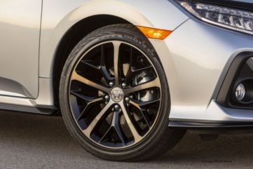 2020 Honda Civic Hatchback Facelift Debuts 5