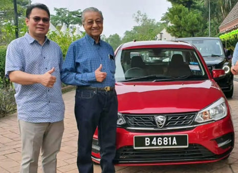 Mahatir Tests the New 2019 Proton Saga Facelift 1