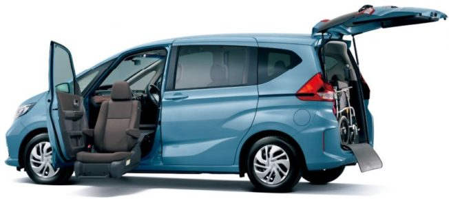 Honda Freed Gets a Facelift and a New Trim 10