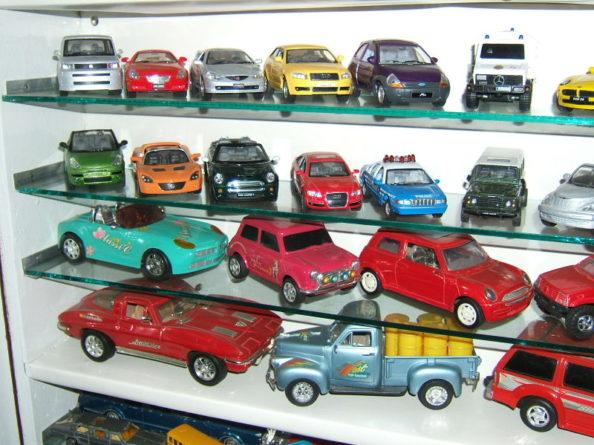 Aamir Ashfaq has Pakistan's Largest Collection of Die-Cast Cars 6