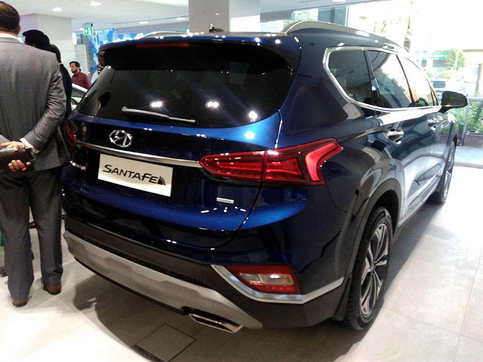 Hyundai Santa Fe Price Dropped by PKR 5.0 Million 4