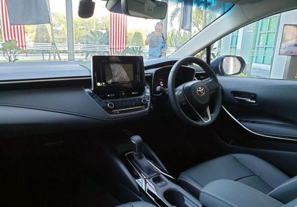 12th gen Toyota Corolla Spotted Testing in Pakistan 7