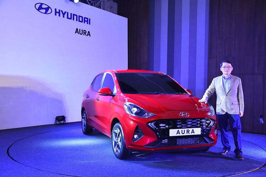 Hyundai's Newest Aura Subcompact Sedan Debuts in India 2