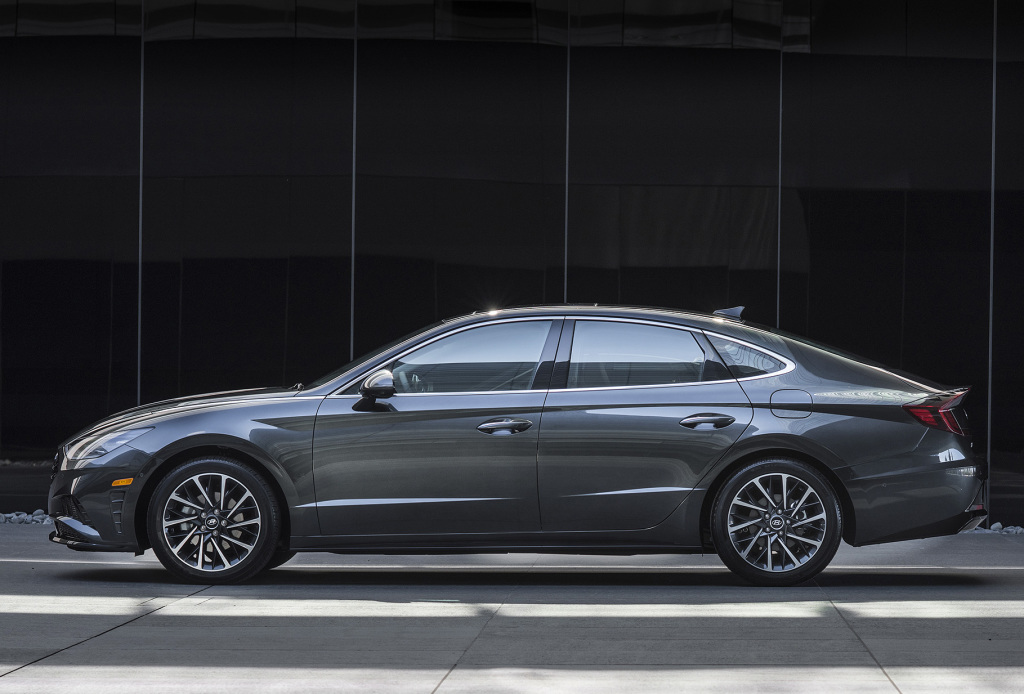 Sonata- the First Local Assembled Hyundai to be Parallel With Global Model 1