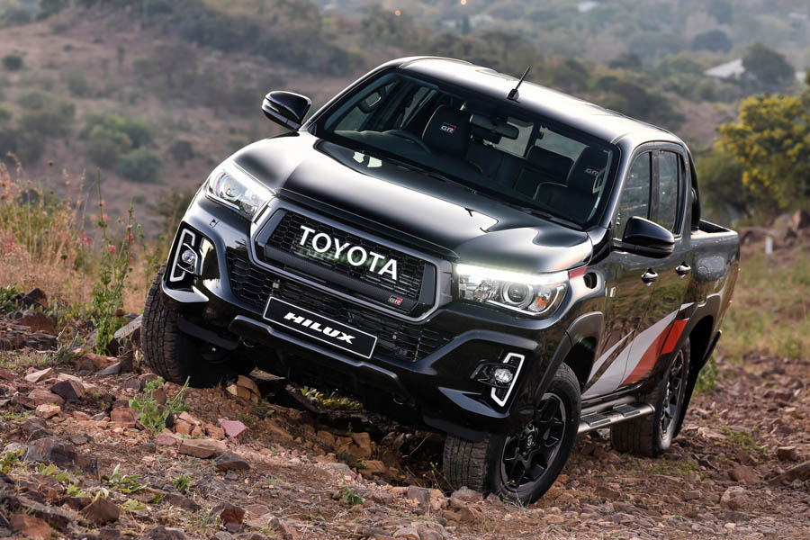 2020 Toyota Hilux Facelift to Have More Powerful Engine 5