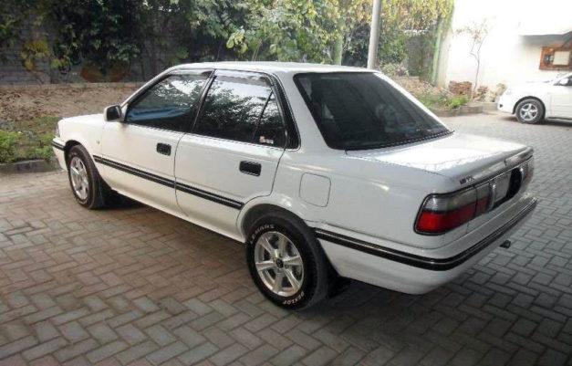Remembering the Toyota Corolla E90 35