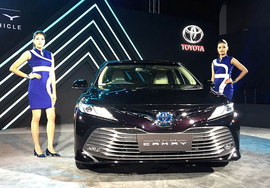 Toyota Updates the Camry Hybrid in India without Increasing the Price 9