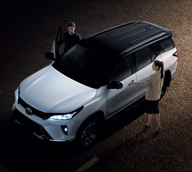 2020 Toyota Fortuner Facelift Debuts in Thailand 28