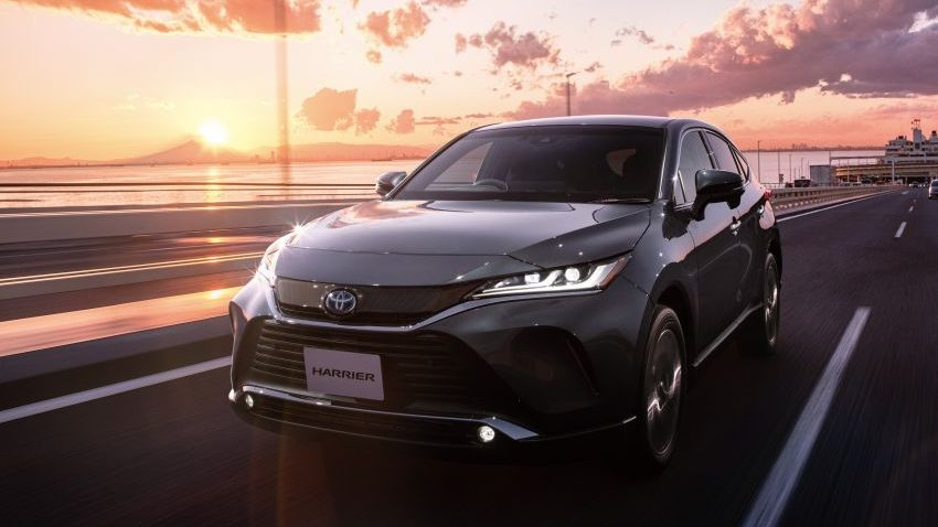 Toyota Hybrids- Highest Selling and the Most Fuel Efficient Among JDMs 1