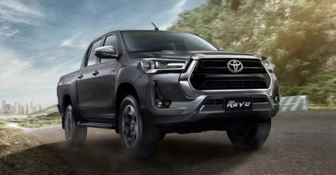 2020 Toyota Hilux Facelift Debuts in Thailand 14