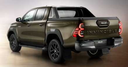2020 Toyota Hilux Facelift Debuts in Thailand 12