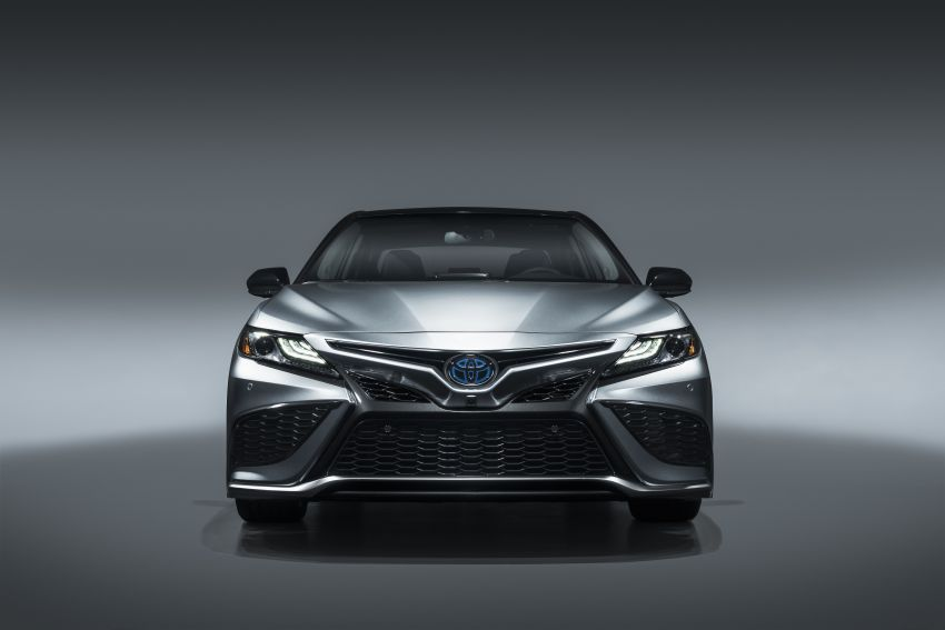 Toyota Camry Gets Facelift and Updated Features in USA 2