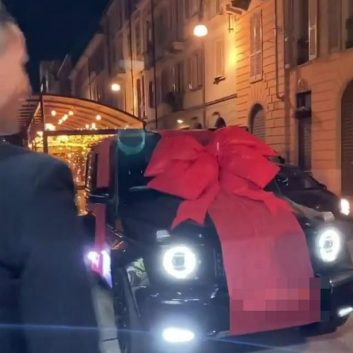 Cristiano Ronaldo Gets Himself a Limited Edition Bugatti Centodieci to Celebrate Juventus' Serie A Title Win 12