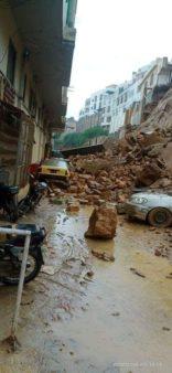 Multiple Vehicles Damaged due to Landslide in Karachi 1
