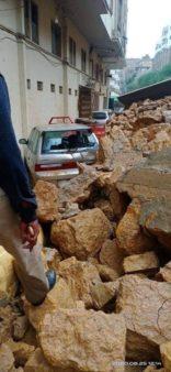 Multiple Vehicles Damaged due to Landslide in Karachi 4