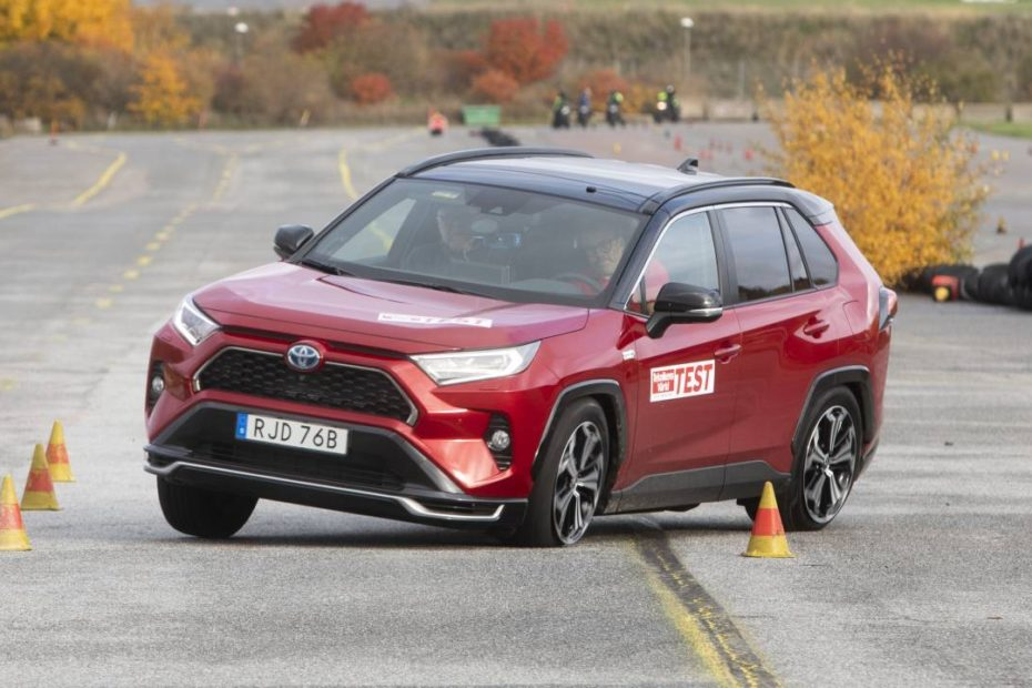 "Toyota Assures to Rectify after RAV4 Prime Fails in ""Moose Test"" 3"