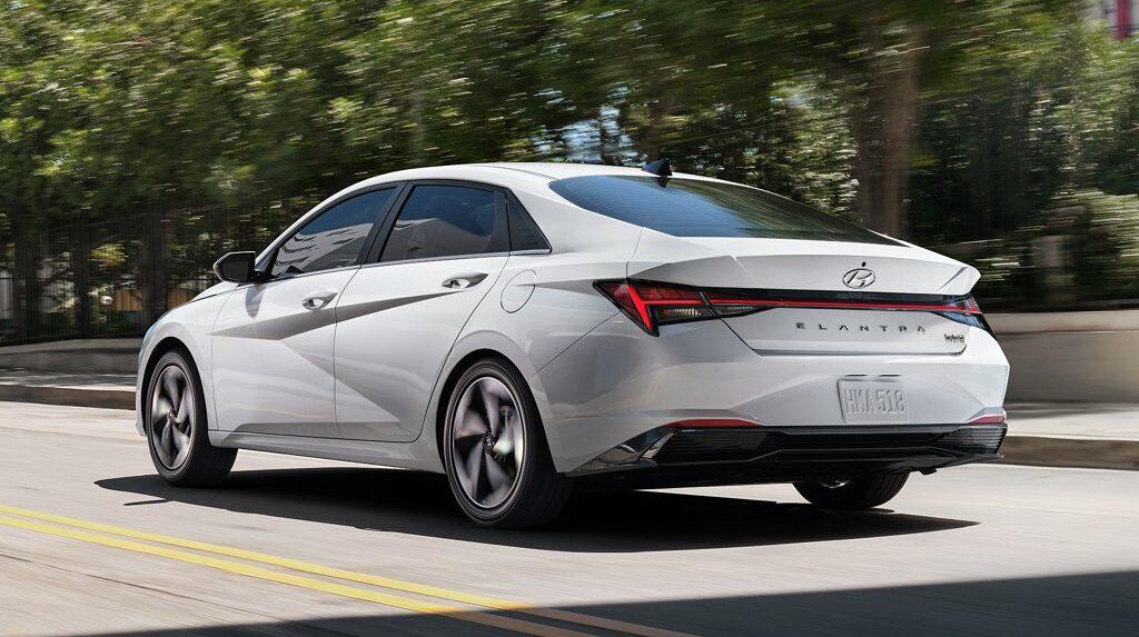 New Hyundai Elantra Wins 2021 Hispanic Best Car Model Award 3