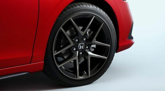 11th Gen Honda Civic Hatchback Debuts 4