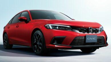 11th Gen Honda Civic Hatchback Debuts 1