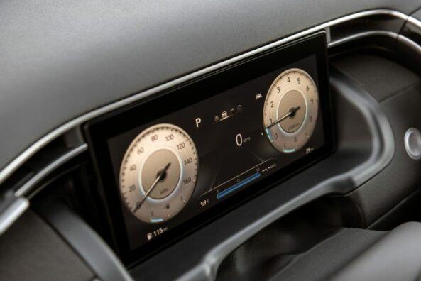 Hyundai Unveils the Santa Cruz Pickup 8