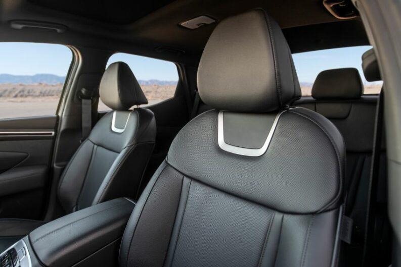 Hyundai Unveils the Santa Cruz Pickup 1