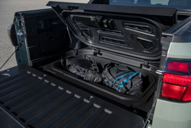 Hyundai Unveils the Santa Cruz Pickup 17