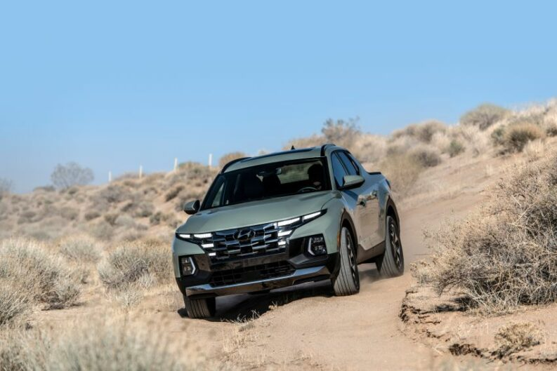 Hyundai Unveils the Santa Cruz Pickup 12