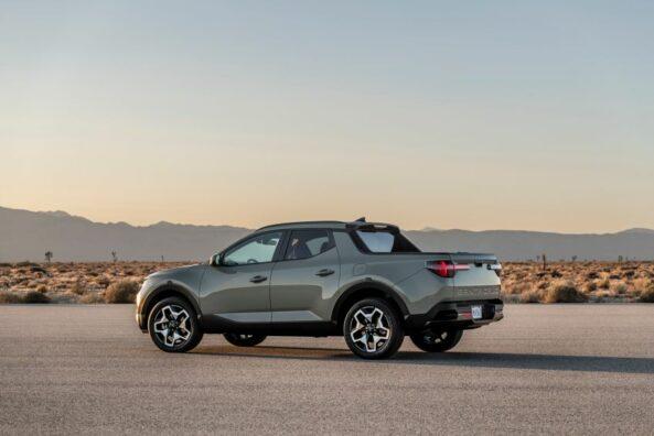 Hyundai Unveils the Santa Cruz Pickup 19