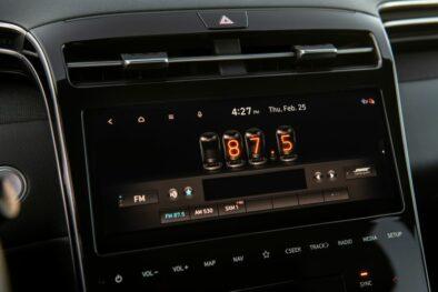 Hyundai Unveils the Santa Cruz Pickup 5
