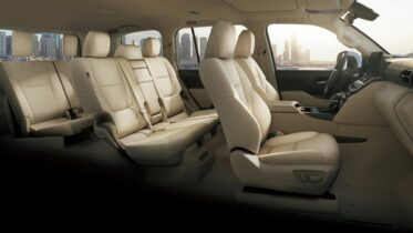 All New Toyota Land Cruiser 300 Debuts 2