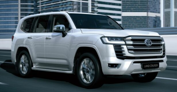All New Toyota Land Cruiser 300 Debuts 9
