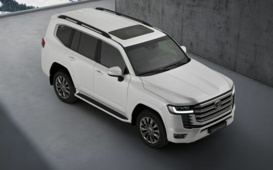 All New Toyota Land Cruiser 300 Debuts 7