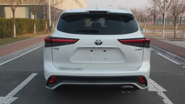 Toyota Crown to Relive as Large SUV 4