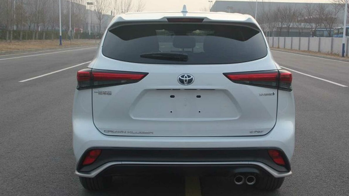 Toyota Crown to Relive as Large SUV 6