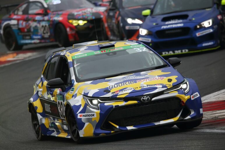 Toyota's Hydrogen Car Makes Successful Debut in Fuji 24 Hours Enduro 1