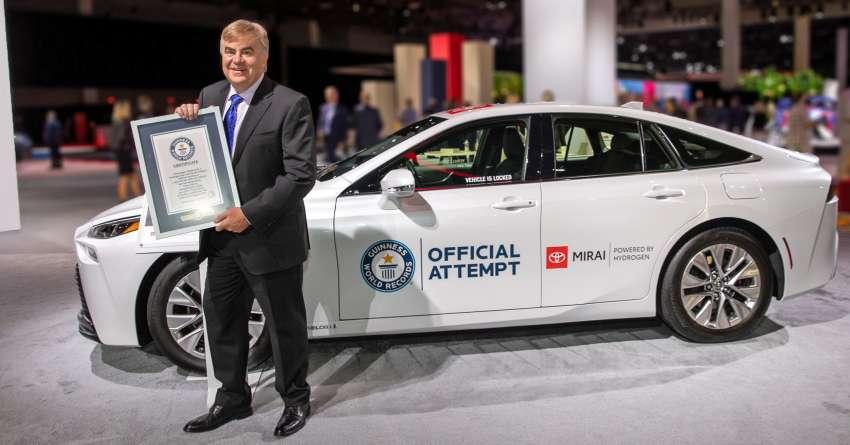 Guinness World Record for Toyota Mirai 4