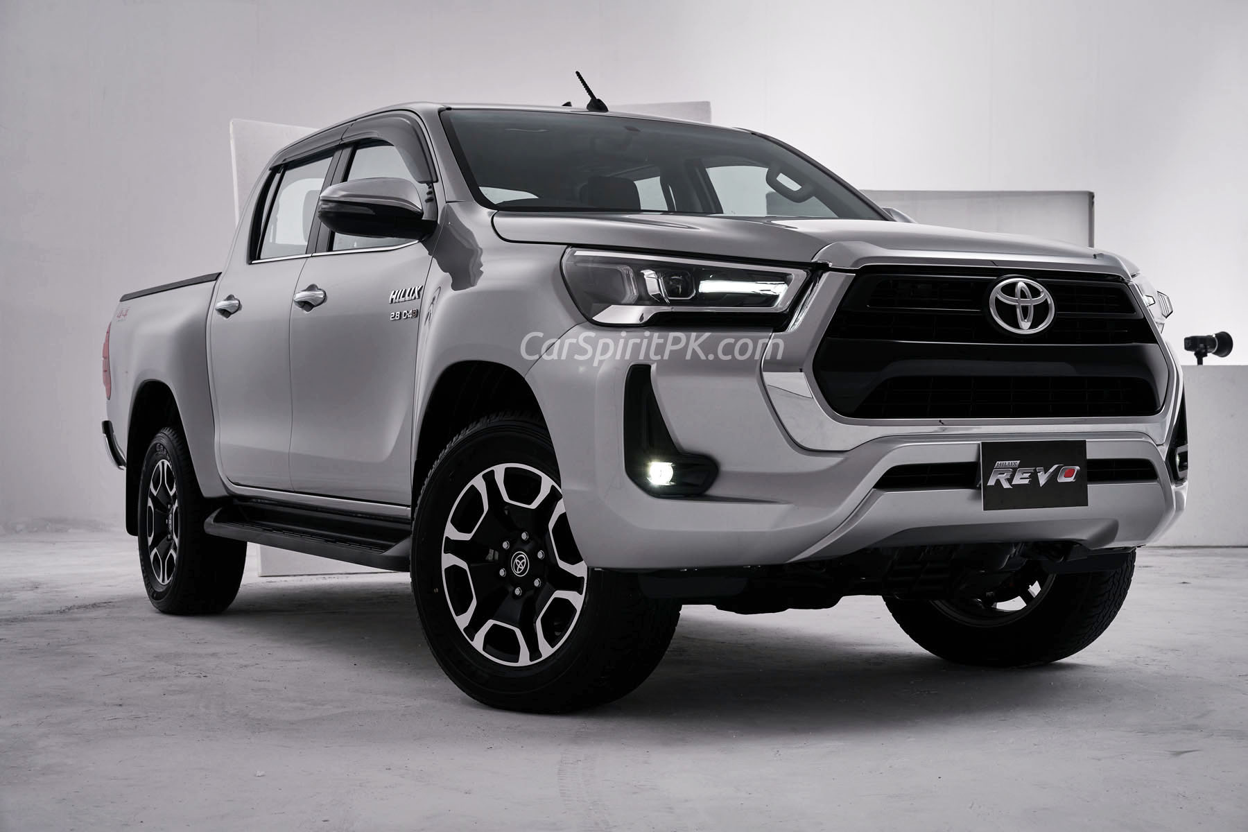 Booking of New Toyota Hilux Revo Facelift is Open 1