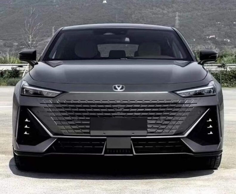 All New Changan Uni-V Sedan Sans Camouflage 1